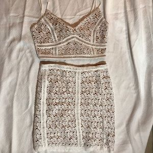 Kendall & Kylie White Lace Skirt Set Size S